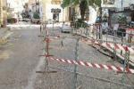 """Caltanissetta, l'ira dei commercianti di Corso Vittorio Emanuele: """"Pagateci i danni"""""""
