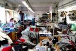 Operai in condizioni disumane: sequestrate sette fabbriche cinesi