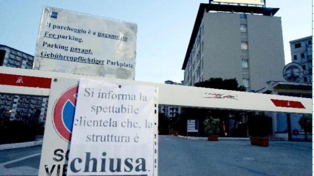 ex motel agip palermo, Palermo, Economia