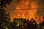 Enorme incendio a Los Angeles, strade bloccate per ore