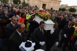 """Funerali di Loris, Santa Croce si ferma. Il vescovo: """"Solo un folle può uccidere un bimbo"""""""