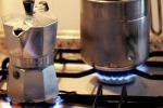 Da gennaio calano luce e gas: si risparmierà fino a 72 euro all'anno