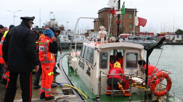 dispersi, marinai, mercantili, ravenna, ricerche, scontro, Sicilia, Cronaca