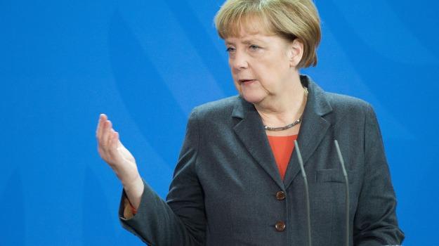cancelliera, pacco sospetto, Angela Merkel, Sicilia, Mondo