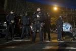 """Agguato a New York, due poliziotti uccisi per strada: """"Una vendetta contro le violenze sui neri"""""""