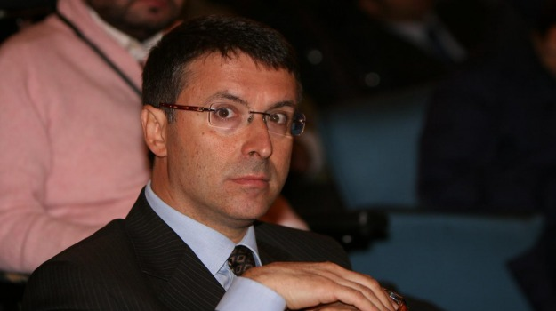 autorità anticorruzione, conti online, partiti politici, Raffaele Cantone, Sicilia, Politica