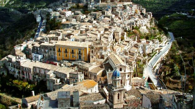 ibla, parcheggio, petizione, Ragusa, Cronaca