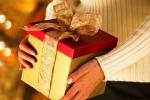 Regali di Natale, budget di 300 euro: tagli ai regali di amici e conoscenti