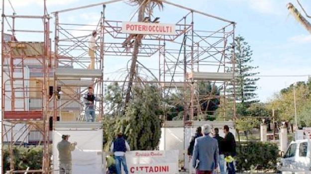 albero di natale capovolto, rosolini, Siracusa, Cronaca