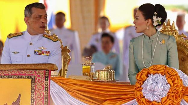 principe ereditario, principessa, scandalo a corte, Srirasmi, Vajiralongkorn, Sicilia, Mondo