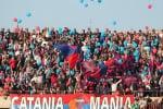 Lancio di petardi durante Catania-Matera: Daspo a tifoso etneo