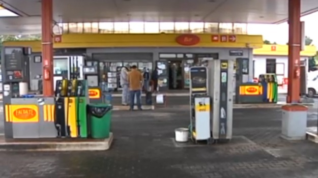 arresti, carburante, marsala, Trapani, Cronaca