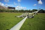 Vandali in azione al campo di baseball a Palermo, giù una torre-faro - Tutte le foto