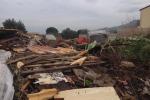 Eternit e mobili abbandonati per strada a Palermo, nasce una discarica abusiva a Borgo Molara
