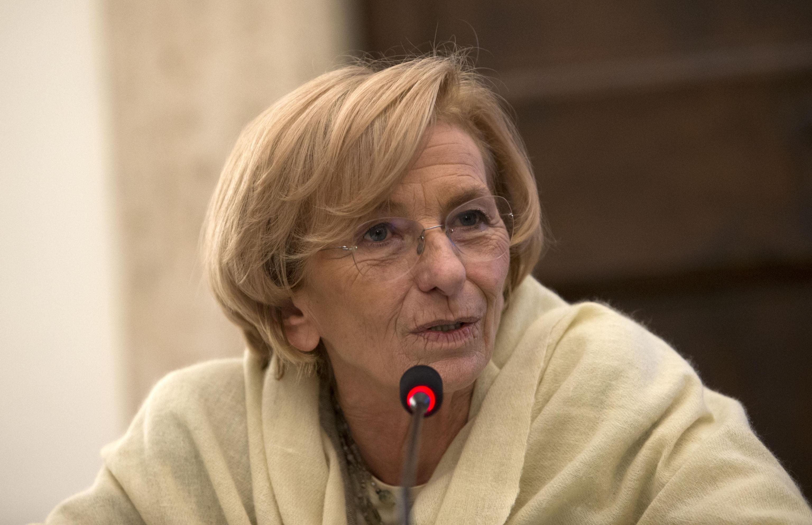 Emma bonino annuncio choc in diretta radio ho un tumore for Diretta radio radicale