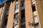Palermo, incendio in un appartamento: 5 persone in ospedale - Video