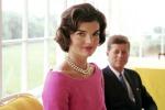 """Odio gli abiti neri"": scritti all'asta svelano i gusti di Jackie Kennedy"