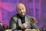 "MasterChef, concorrente serve pollo ""crudo"" a Joe Bastanich: la sfuriata in diretta tv"