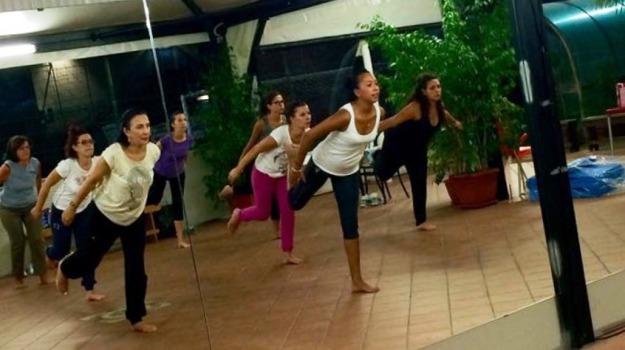 pilates, yoga, Sicilia, Società