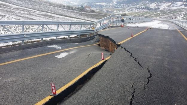 ponte crollato, regione, viadotto, Giovanni Pizzo, Palermo, Cronaca