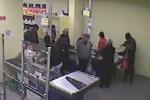 Rapina in un supermercato di via Corbino, due arresti a Palermo: il video del colpo