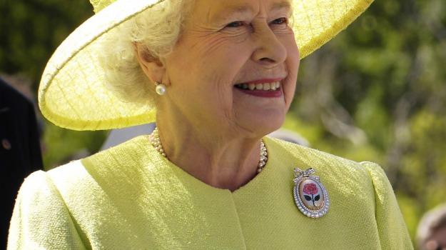 Buckingham Palace, Isis, regina, terrorismo, Regina Elisabetta, Sicilia, Mondo