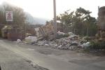 """Rifiuti in via Falsomiele: """"Nessuno si è mai curato di ripulire"""" - Foto"""