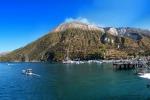 Eolie, boom di turisti ma orari invernali per gli aliscafi: caos agli imbarcaderi