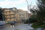 Palermo, in via Messina Marine un fiume dopo le piogge