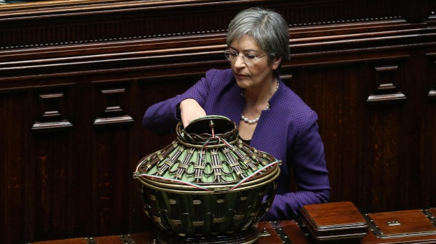 In corso la quarta votazione la diretta video dal canale for Diretta camera deputati