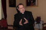 Il vescovo di Messina in lacrime: lascio solo perché sto male