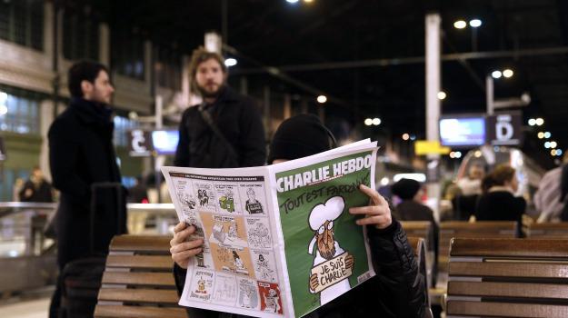 Charlie Hebdo, copie esaurite, edicole, Sicilia, Mondo