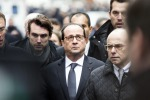 Paura a Parigi per poliziotta investita davanti all'Eliseo, ma era un incidente