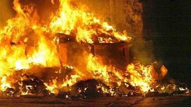 cassonetti, emergenza, incendi, rifiuti, Palermo, Cronaca