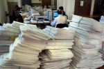 Regionali, caccia ai ritardatari: procedimenti disciplinari e soldi trattenuti dagli stipendi