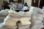 Regione, stop a mansioni superiori per le fasce più basse di lavoratori In 1.500 tornano a fare fotocopie