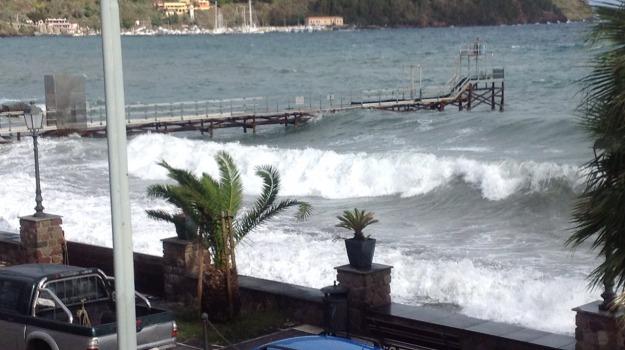 canneto, lipari, mareggiate, Messina, Cronaca
