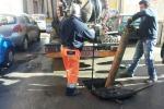 Liquami in strada ad Altarello, intervento dell'Amap - Foto