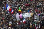 Parigi diventa capitale del mondo: tutti in piazza per Charlie - Foto