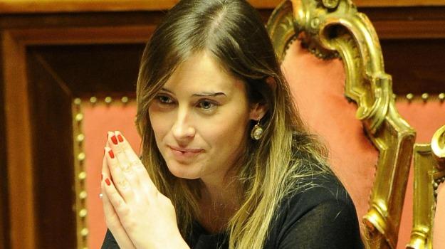 MOVIMENTO 5 STELLE, partito democratico, Maria Elena Boschi, Sicilia, Politica