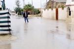 La strada è un fiume: abitazioni allagate a Marsala