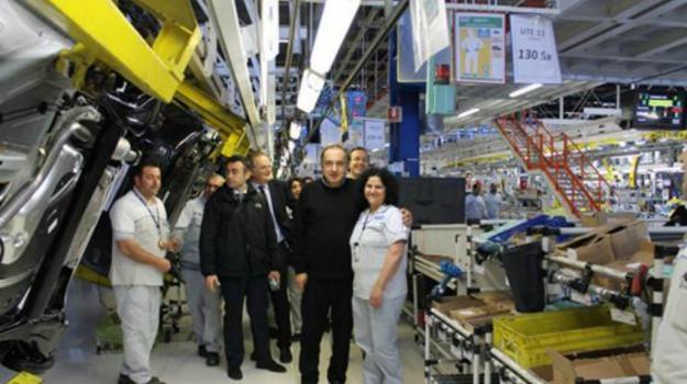 300 lavoratori, auto, Fca, Melfi, primo giorno, Sicilia, Economia
