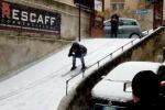 A Palermo una qualsiasi discesa d'asfalto diventa una pista da sci eccezionale - Le foto