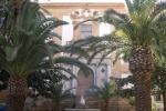 Cede Palazzo Lucatelli a Trapani, l'intervento all'alba di vigili e pompieri