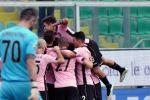 Palermo show, cinquina al Cagliari Rosanero settimi, raggiunto il Milan