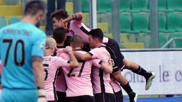 cagliari, Calcio, Palermo, rosanero, Edgar Barreto, ezequiel munoz, Michel Morganella, Palermo, Sport