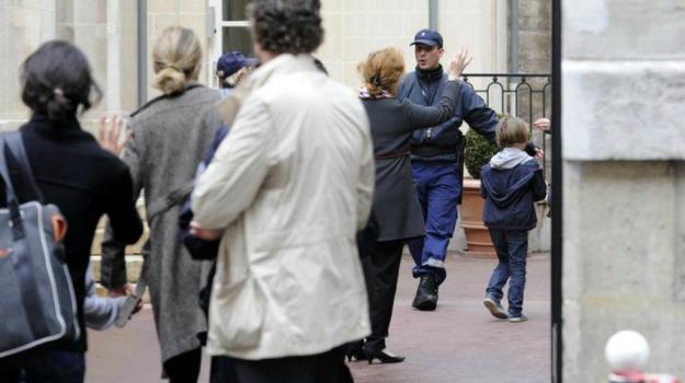 apologia del terrorismo, bambino 8 anni, Pairigi, psicosi, terrorismo, Sicilia, Mondo