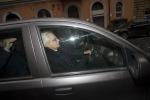 Mattarella in auto lascia la sua casa, al via lo spoglio a Montecitorio