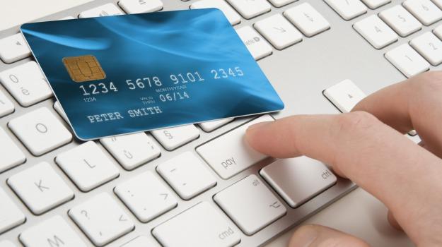 200 milioni, e commerce, italiani, shopping online, transazioni, Sicilia, Economia