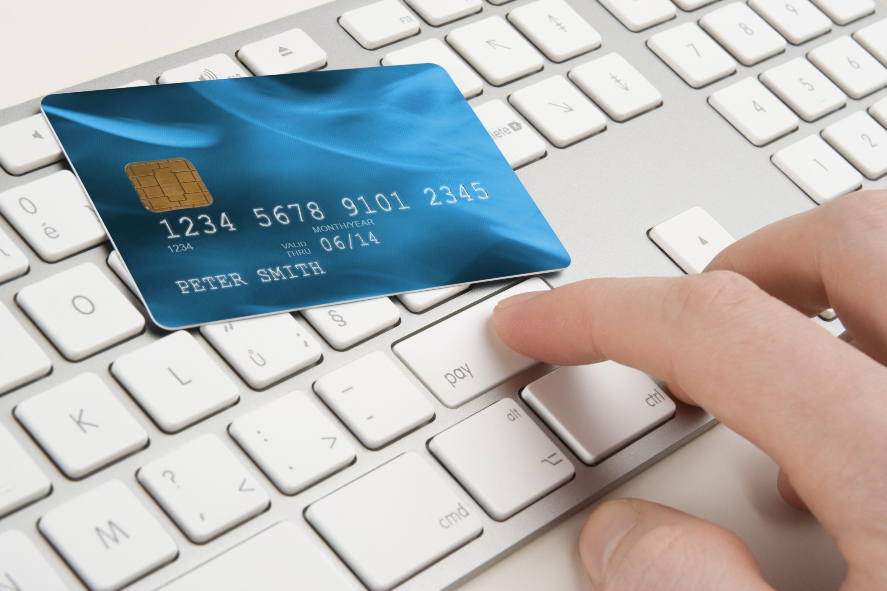 cresce lo shopping online degli italiani 200 milioni di
